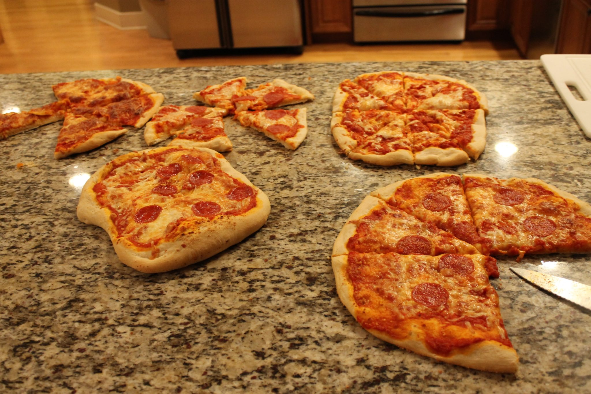 Pizza Is Any Easy And Delicious Dinner To Make When You Need Feed Large Groups