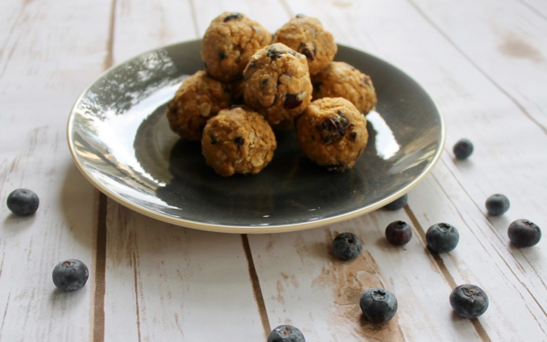 5 Energy Ball Recipes To Mix Up Your Snack Time Routine