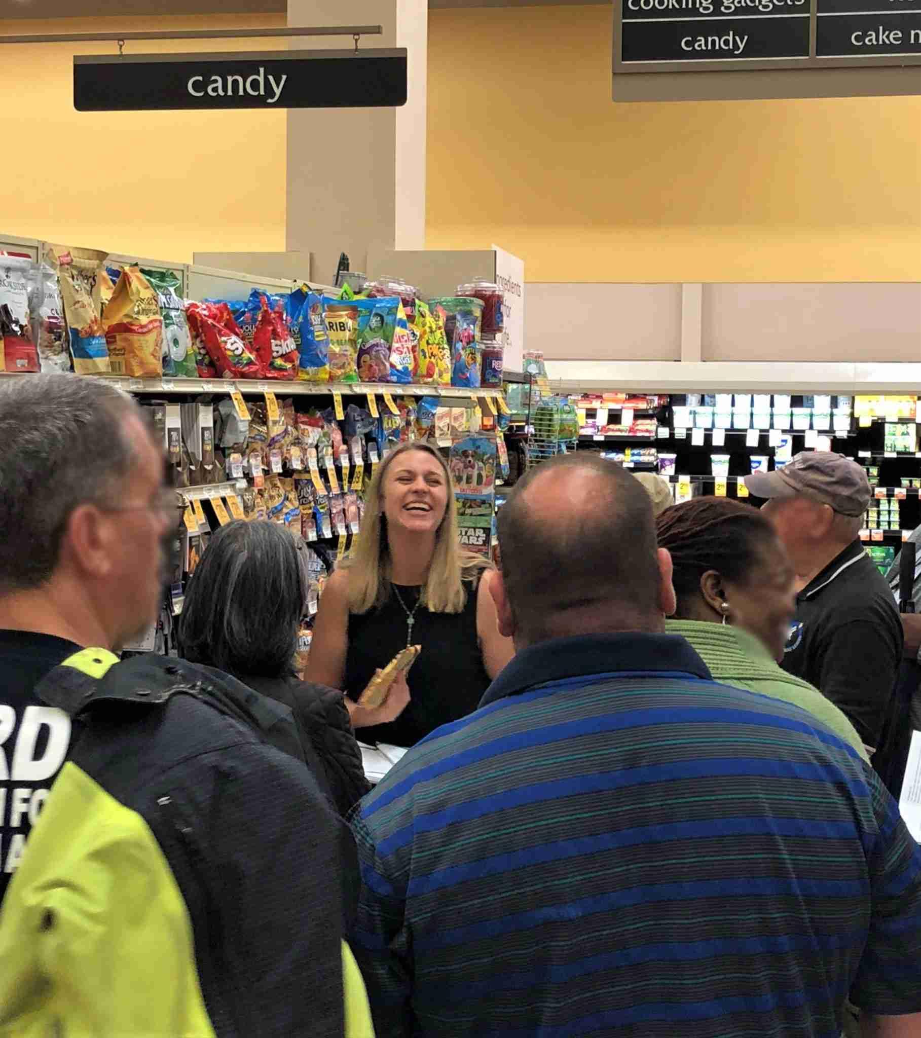 Kaitlin Williams Eckstein, RD grocery-tour_edited